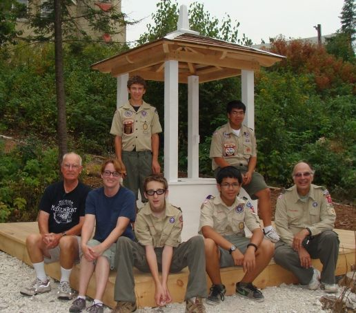 Tommy Oldani (back left) with the crew that helped reconstruct the wellhead.